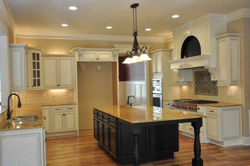 Country Linen Kitchen Cabinets