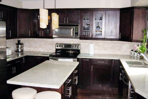 White Kitchen Island Dark Cabinets