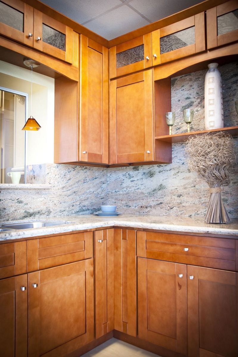 Shaker Cinnamon Kitchen Cabinet Pictures