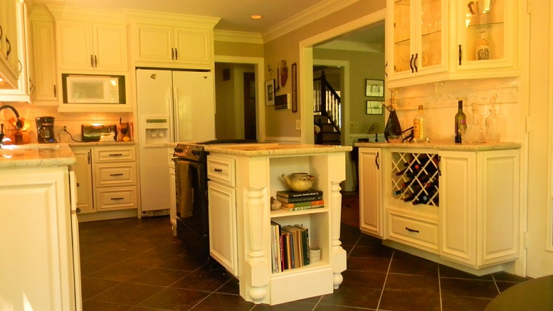 Lenox Country Linen Cabinet Pictures, Country Linen Cabinets